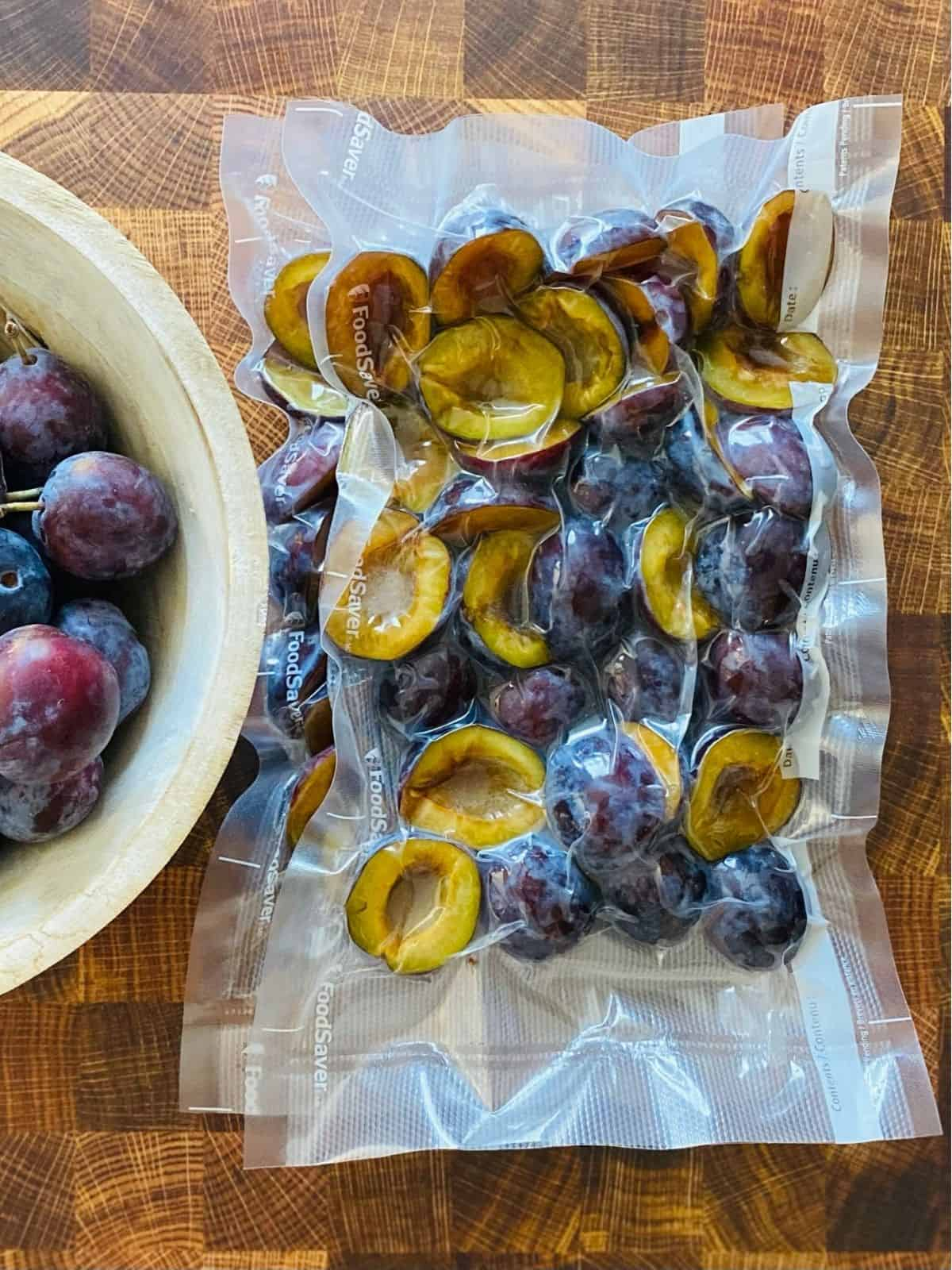 italian plums ready to freeze